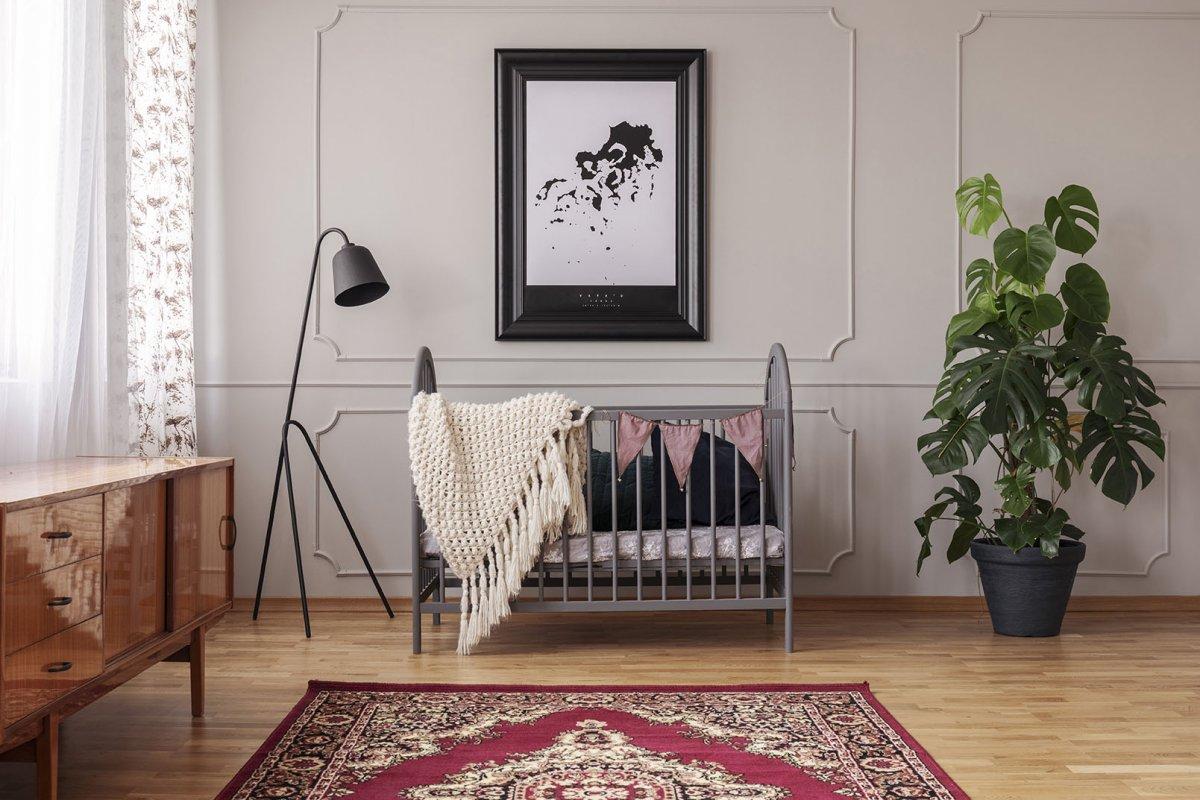 Aranżacja sypialni dziecka ze sztukaterią